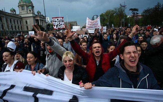 Фото: протест в Сербии против Вучича