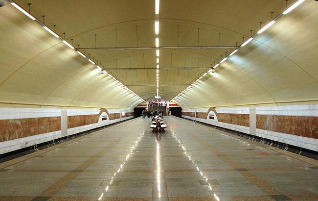"Фото: станция метро ""Житомирская"" (wikipedia.org)"