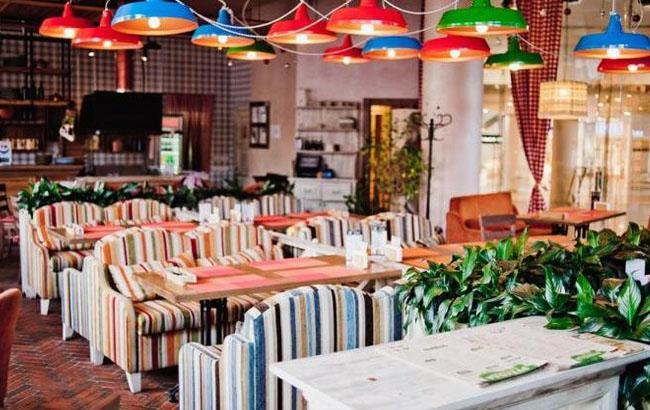 """Фото: У ресторані """"Рукола"""" немає меню українською мовою (reston.com.ua)"""