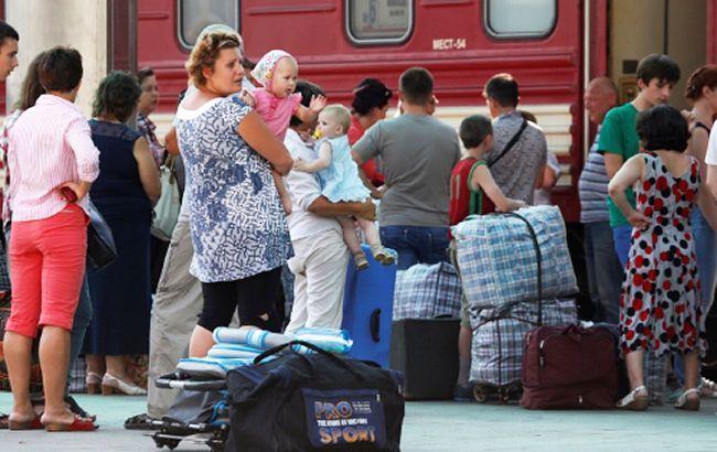 В Мінсоцполітики назвали кількість переселенців з Криму та Донбасу