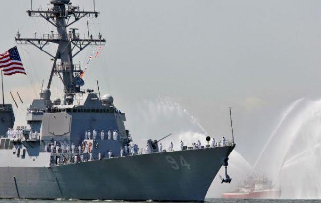 Фото: побережья обстреляли из эсминца