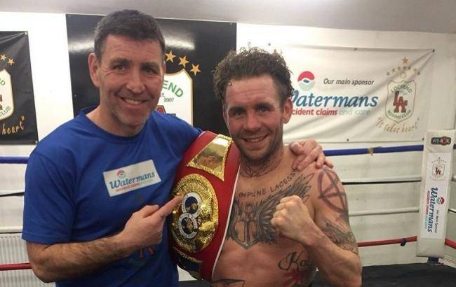 The world boxing champion decided to sell the IBF belt because of a gift to his son for Christmas