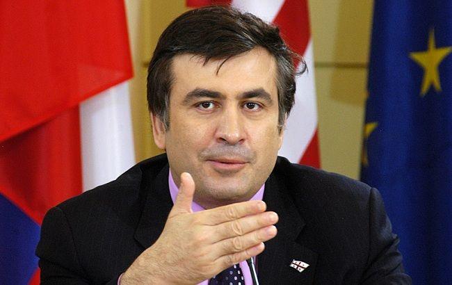Саакашвили посетил военные учения на Донбассе
