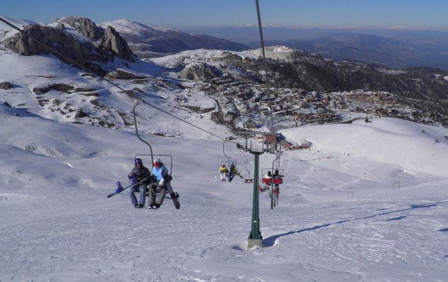 Лижі та море: на гірському курорті біля Анталії почався сезон катання