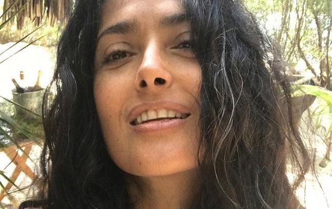 Зупинися, мить! 52-річна Сальма Хайєк розкрила секрет молодості і позитивного настрою
