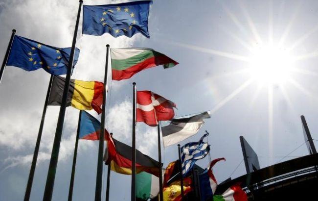 """Фото: по итогам Рижского саммита украинцам """"не светит"""" получить возможность ездить в страны ЕС без виз"""