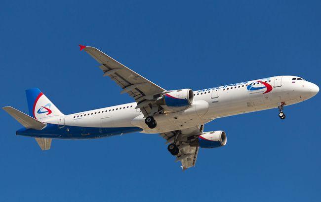 Число постраждалих в аварійній посадці літака в РФ перевищило 20 осіб
