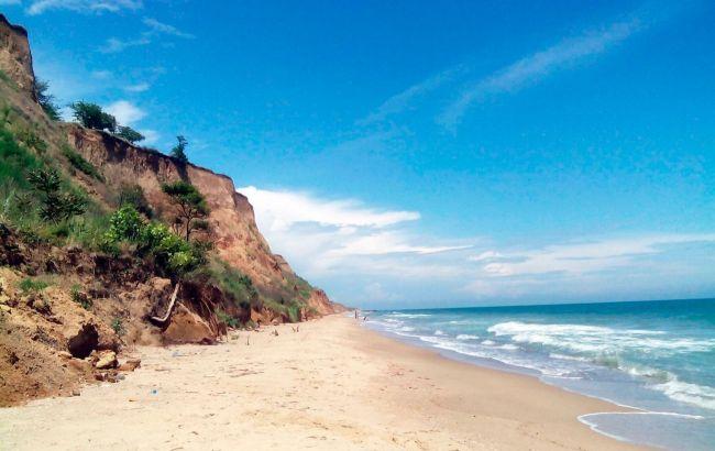 Чисті й безлюдні пляжі: маловідомий курорт під Одесою дивує туристів