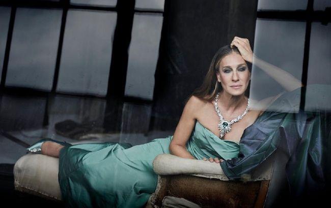 Икона стиля навсегда: Сара Джессика Паркер блистает в роскошном платье и на шпильках