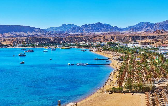 Под защитой армии: египетский курорт оградили бетонной стеной
