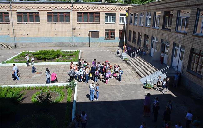Масове отруєння у Миколаєві: кількість госпіталізованих дітей зросла до 39