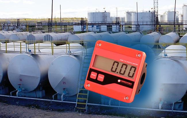 Фото: ГФС будет вести реестр счетчиков на нефтебазах (коллаж РБК-Украина)
