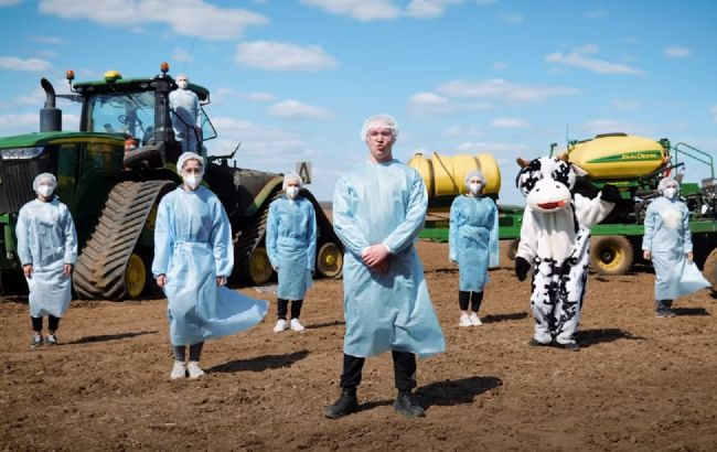 """Украинские агрономы сделали смешную пародию на песню """"Шум"""" группы Go_A"""
