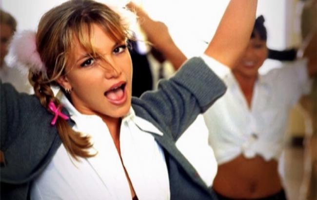 Фото: Кадр из клипа Бритни Спирс