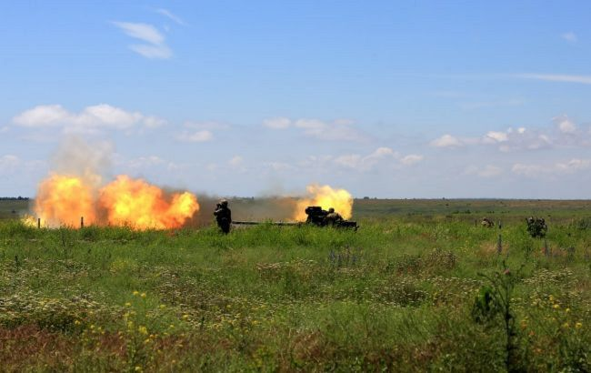 Крупнокалиберные пулеметы, минометы и гранатометы: на Донбассе сначала суток 6 обстрелов