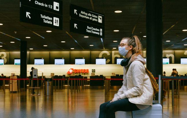 В аэропорту Нидерландов задержали туристов с фальшивыми тестами на коронавирус