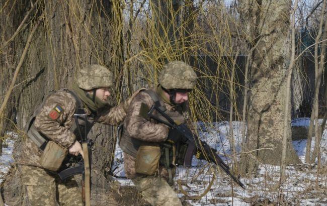 Боевики за сутки 20 раз обстреляли украинские позиции на Донбассе