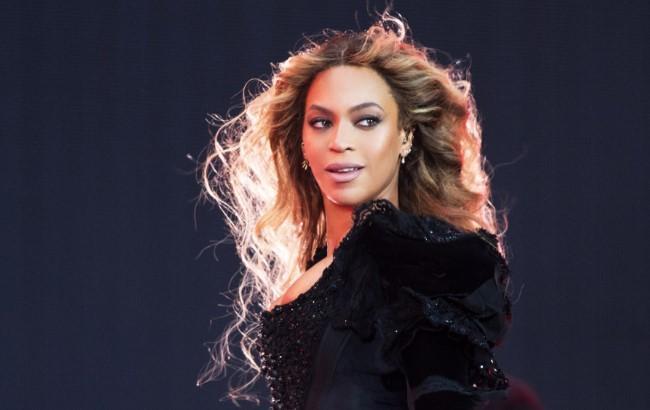 Выглядеть как звезда: визажист Beyonce раскрыл секрет устойчивого макияжа