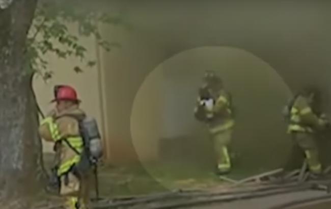 Швидка реакція пожежного в США врятувала життя дитині