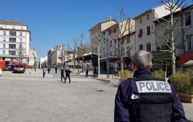 Во Франции неизвестный напал с ножом на прохожих, есть жертвы