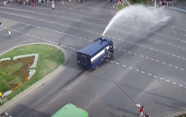 МВД Беларуси объяснило применение водомета в Бресте