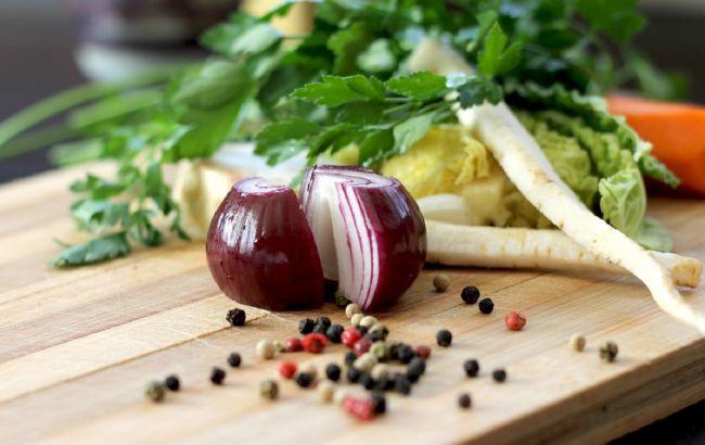 Польза для организма - незаменима:диетолог объяснила, зачем нужно съедать одну луковицу в день
