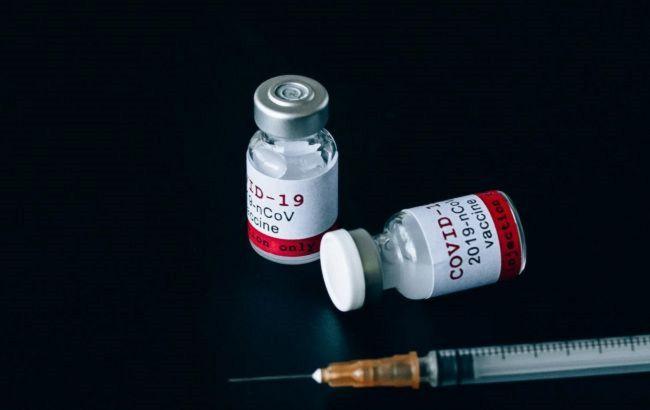 У Великобританії призупинили випробування вакцини AstraZeneca на дітях