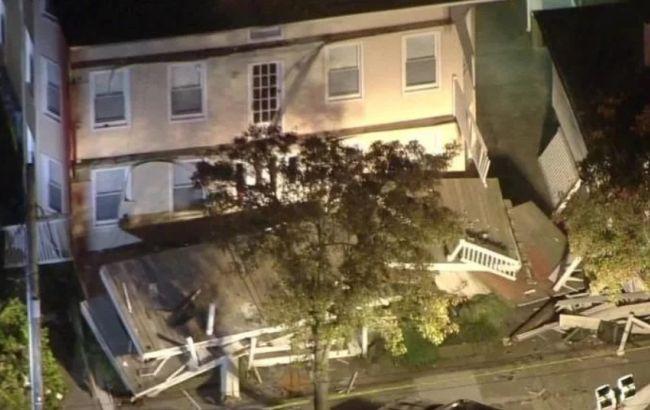 У США через обвалення будинку постраждали десятки людей