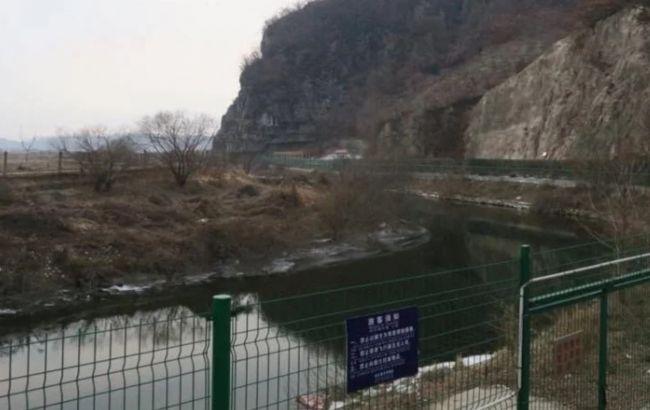 Мужчина сбежал из КНДР в Южную Корею, перепрыгнув трехметровый забор