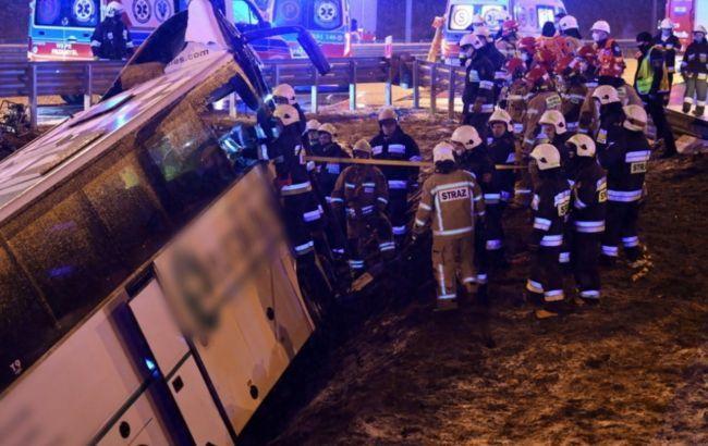 З'явилося відео з місця ДТП з українським автобусом у Польщі