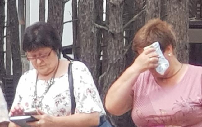 """""""Пора бити пики"""": в мережі показали """"бабусь"""", які агітують за вирубку лісу у Гостомелі"""