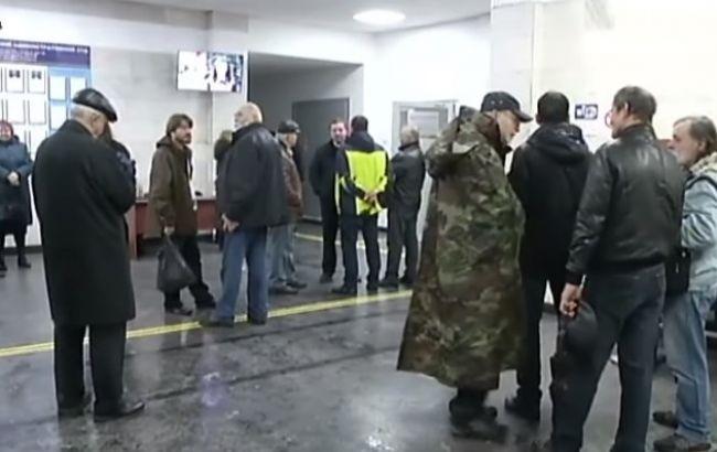 У Києві прихильники УПЦ КП влаштували бійку в суді