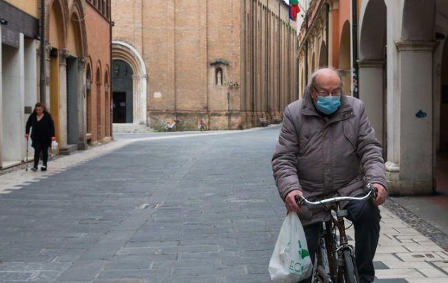 В Италии за день от коронавируса умерли почти полтысячи человек