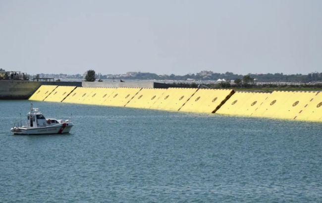 Венеция впервые поднимает защитный барьер от наводнения