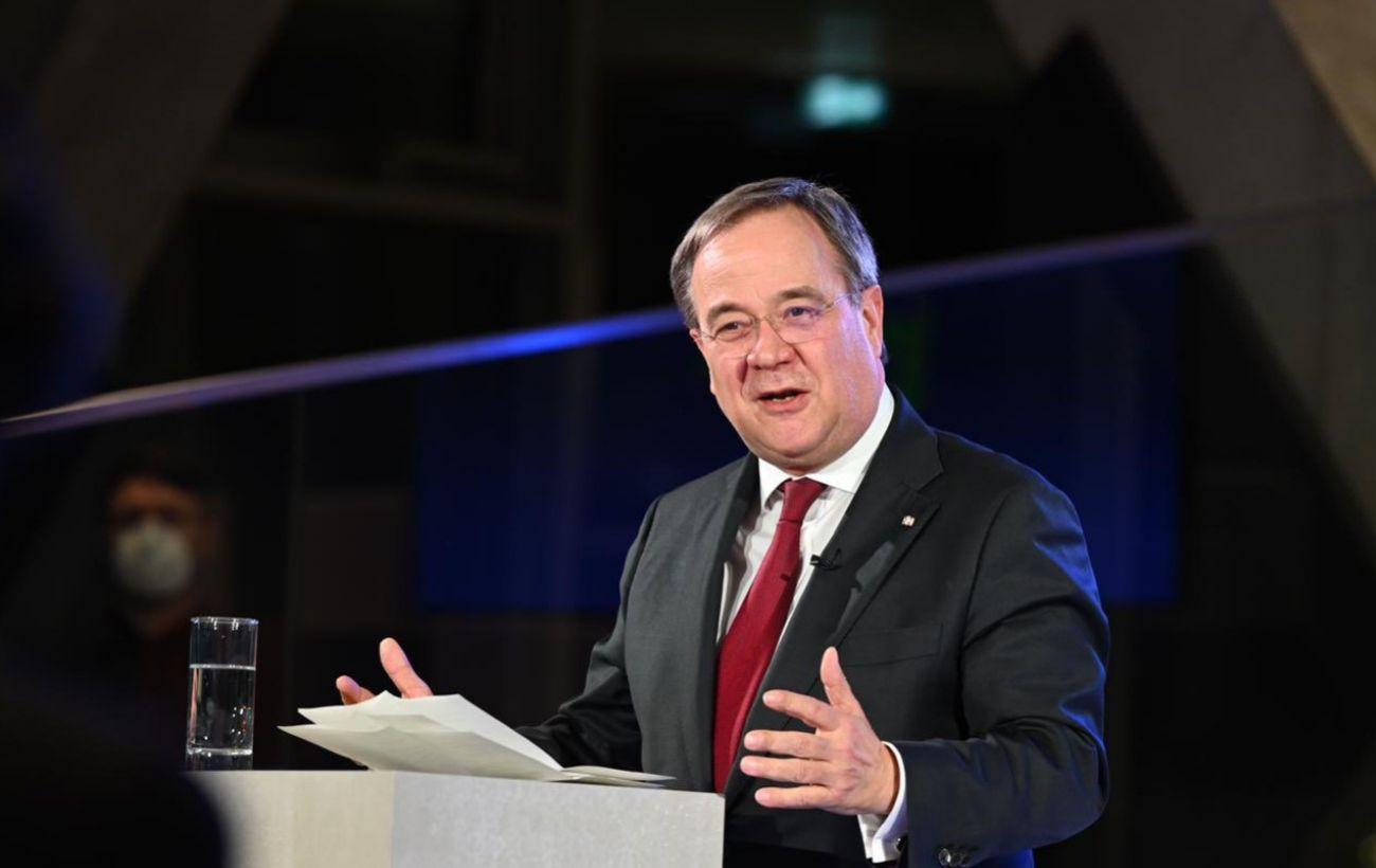 Россия должна уйти из Донбасса, - кандидат в канцлеры Германии