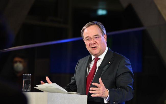 Россия должна уйти с Донбасса, - кандидат в канцлеры Германии