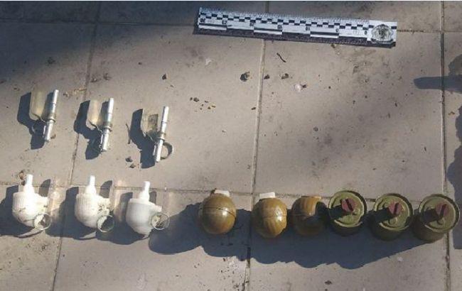 У Києві затримали військового, який продавав бойові гранати та боєприпаси