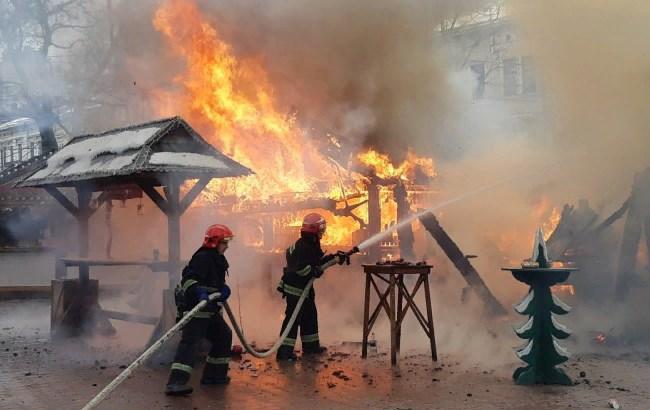 В сети предложили наказать виновников пожара на ярмарке во Львове