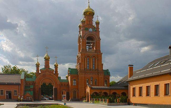 В Киеве закрыли на карантин Покровский Голосеевский мужской монастырь