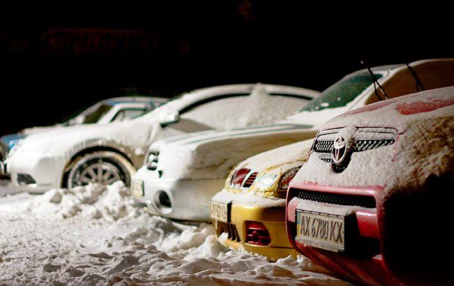 Як відкрити авто, якщо примерзли двері або замерзли замки: поради водіям