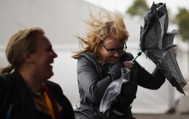Спасатели предупредили о порывах ветра в Киевской области