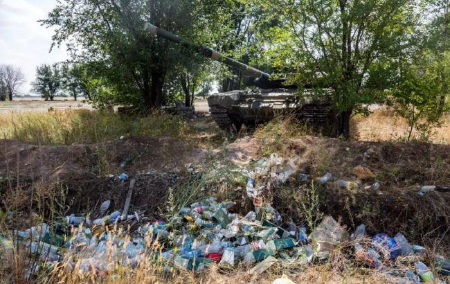 В России на мусорке нашли брошенный танк: солдаты ушли делать намаз(фото)