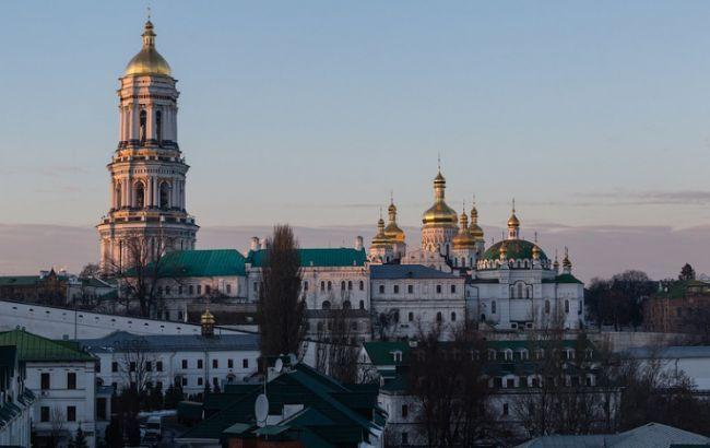 В УПЦ МП закликали парафіян забрати благодатний вогонь, незважаючи на карантин