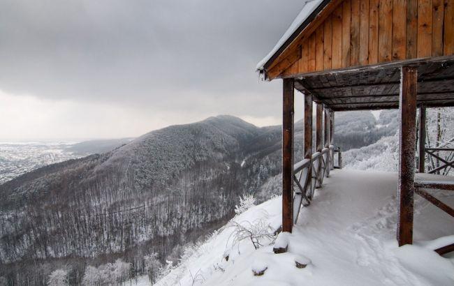 Казковий сніг та панорами: незвична локація в Карпатах, про яку не пишуть у путівниках
