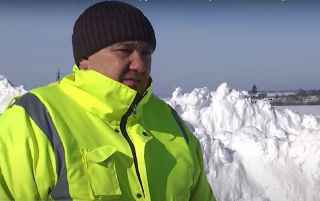 Шел сквозь снег 2 км с пациентом на руках:украинский фельдшер рассказал всю историю (видео)