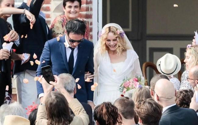 45-летняя Ванесса Паради впервые вышла замуж (фото) | РБК ... ванесса паради свадьба