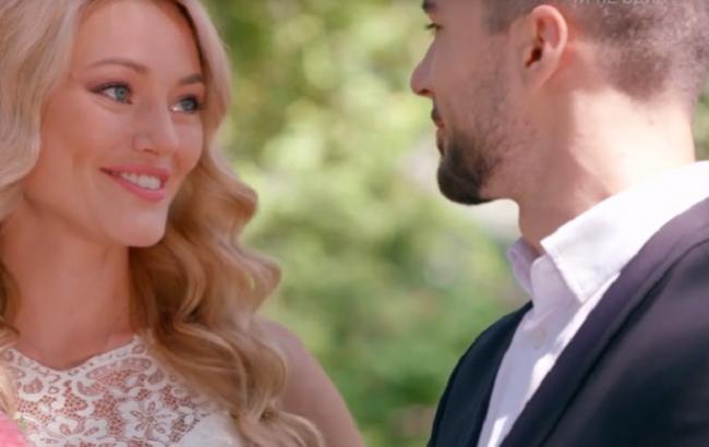 Школа: в 20 серии 2 сезона Алекс женился на Мэри
