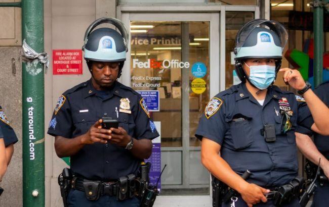 Один человек убит и двое пострадали в результате стрельбы в супермаркете Нью-Йорка