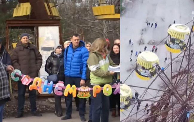 """В Припять вернулись бывшие жители с подарками: городу-призраку """"стукнуло"""" 50 лет (видео)"""
