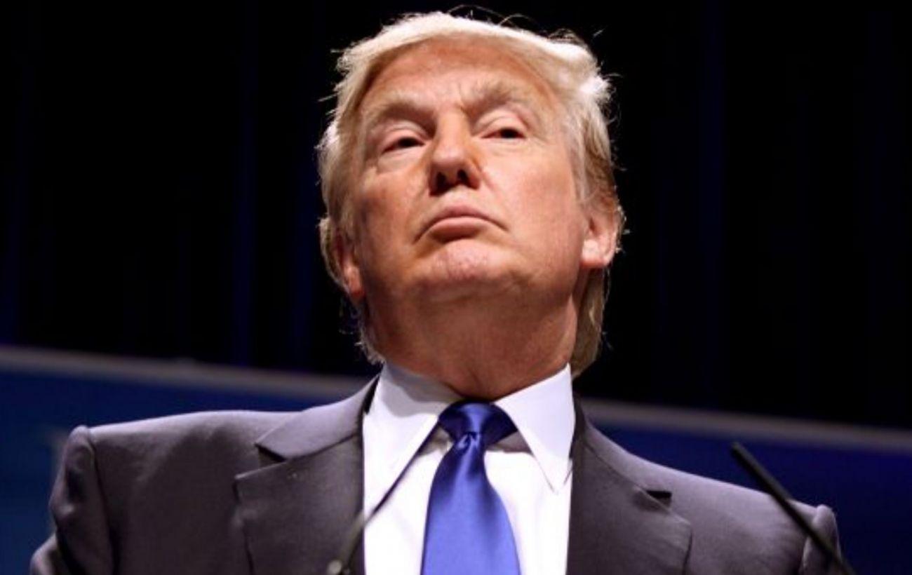 Трамп хотел штурмовать Капитолий вместе с протестующими, - Reuters